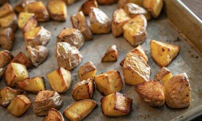 Patatas Bravas und Chili-Butter
