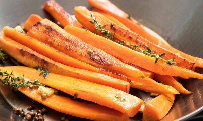 Glasierte Vincotto Karotten mit Honig und Ingwer